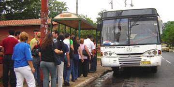 Parada de autobús en Paraguay