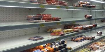 Mercado con falta de productos en Venezuela