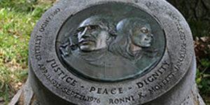 Placa en memoria de Orlando Letelier y Ronni K. Moffit