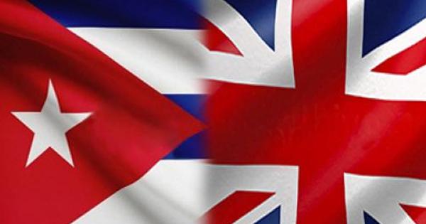 Banderas de Cuba y Reino Unido