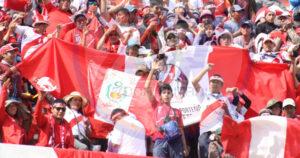 Hinchada peruana