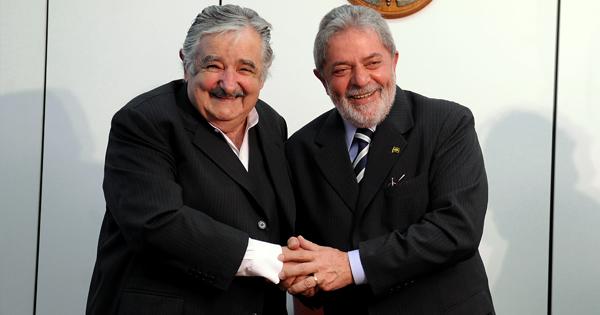José Mujica, expresidente de Uruguay y Luiz Inácio Lula da Silva, expresidente de Brasil