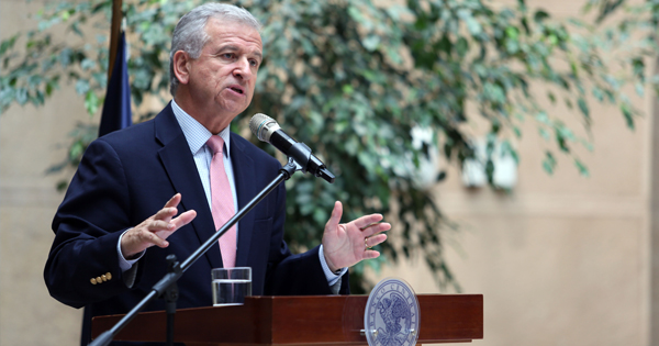 Felipe Larraín, ministro de Hacienda de Chile