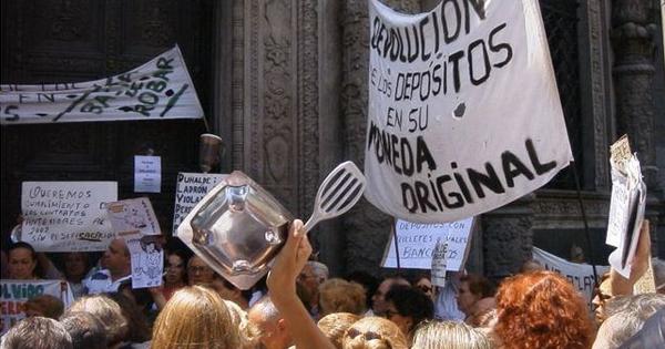 Manifestación en contra del Corralito