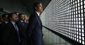 Pedro Sánchez, durante su visita al Museo de la Memora y los Derechos Humanos de Chile