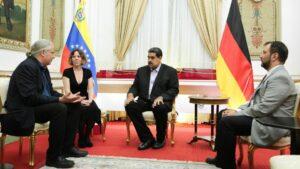 El diputado alemán del partido La Izquierda Andrej Hunko mantuvo un encuentro con el jefe de Estado venezolano Nicolás Maduro en Caracas