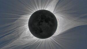 Corona del sol brillando durante un eclipse solar total
