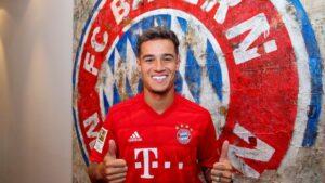 El futbolista brasileño Philippe Coutinho con su nueva camiseta, la del Bayern Múnich