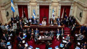 El Senado argentino debate una ley de emergencia económica propuesta por el presidente Alberto Fernández, en Buenos Aires, el 20 de diciembre de 2019