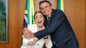 El presidente de Brasil, Jair Bolsonaro, y la actriz Regina Duarte