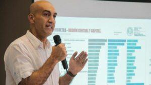 El ministro de Salud de Paraguay, Julio Mazzoleni