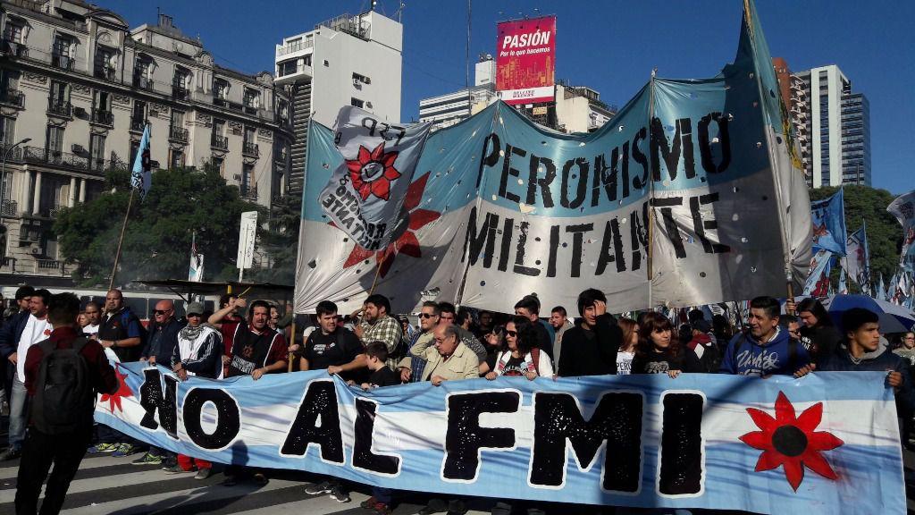 Marcha contra el FMI en Argentina