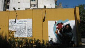 Mural realizado en recuerdo al cacerolazo y la crisis de diciembre de 2001 en Argentina