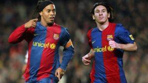 Ronaldinho y Messi en su etapa en el FC Barcelona