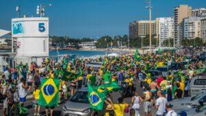 Acólitos del presidente de Brasil, Jair Bolsonaro, durante una marcha contra el Tribunal Supremo Federal