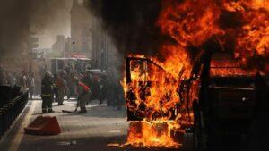 Disturbios en Jalisco por la muerte de Giovanni López tras ser detenido por la policía mexicana por no llevar mascarilla