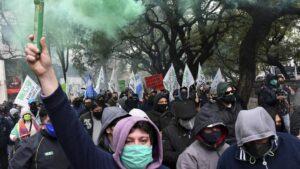Protesta en la ciudad argentina de Córdoba durante la pandemia de coronavirus
