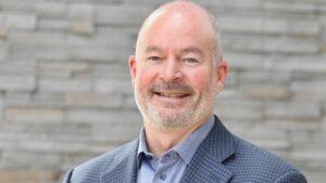 John Stapleton, nuevo director financiero interino de General Motors