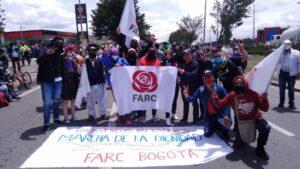 Militantes de la Fuerza Alternativa Revolucionaria del Común (FARC) en Bogotá