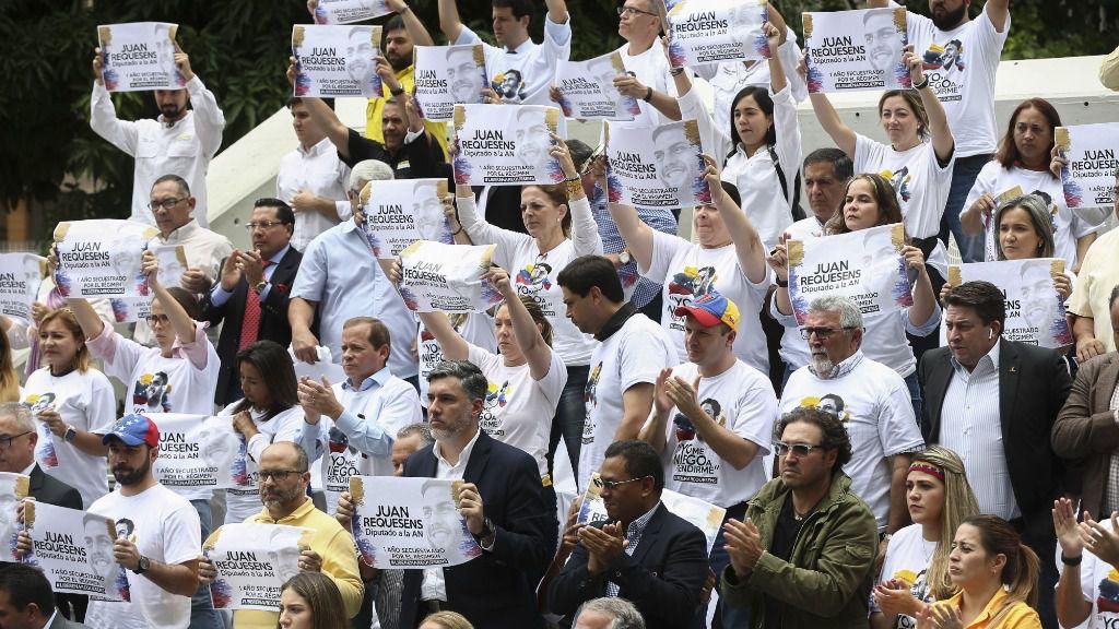 Manifestación a favor de la liberación del diputado venezolano Juan Requesens en Caracas