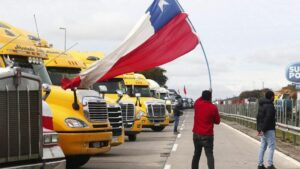 Cortes de carreteras durante la huelga indefinida de camioneros en Chile