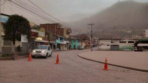 Lluvia de cinza del volcán Sangay, en Ecuador
