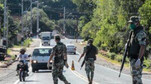 Militares en Paraguay colaboran para extinguir los incendios