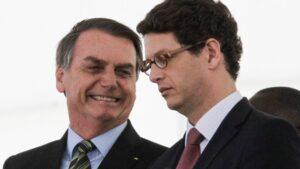 El presidente de Brasil, Jair Bolsonaro, y el ministro de Medio Ambiente, Ricardo Salles