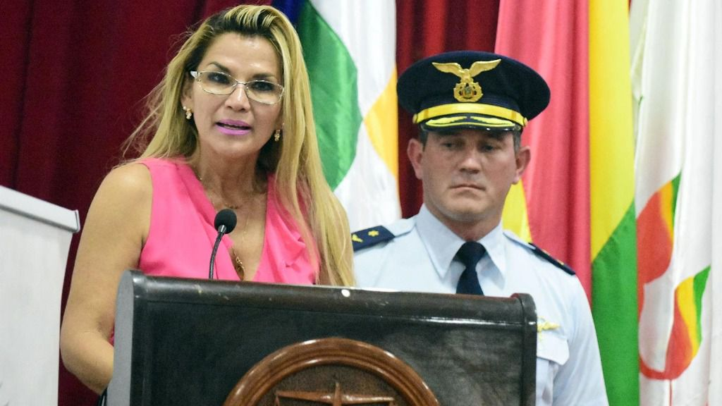 La autoproclamada presidenta interina de Bolivia, Jeanine Áñez