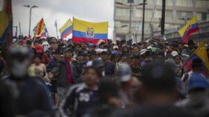 Protestas en Quito contra la eliminación de las ayudas a los combustibles
