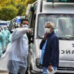 El 56,3% de internados en abril en UTI de Argentina por coronavirus son menores de 60 años
