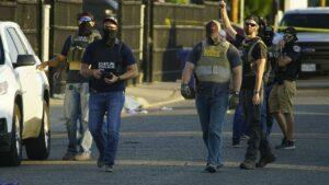 Agentes de la DEA en una operación en Alburquerque, Nuevo México