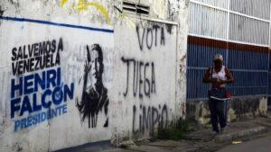 Mural en favor de la candidatura de Henri Falcón
