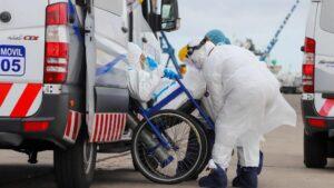 Trabajadores sanitarios en Montevideo (Uruguay) durante la pandemia de coronavirus