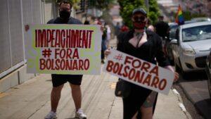 Manifestación a favor del 'impeachment' o proceso de destitución contra el presidente de Brasil, Jair Bolsonaro, en Sao Paulo