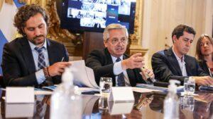El presidente de Argentina, ALberto Fernández, durante una reunión con su Ejecutivo