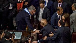 Carlos Menem durante la toma de posesión del presidente argentino, Alberto Fernández