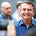 """Jair Bolsonaro dice que """"está llegando"""" el momento de actuar fuera de la Constitución"""