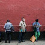 Más de 2,2 millones de desocupados en Perú en 2020, informa el instituto estatal