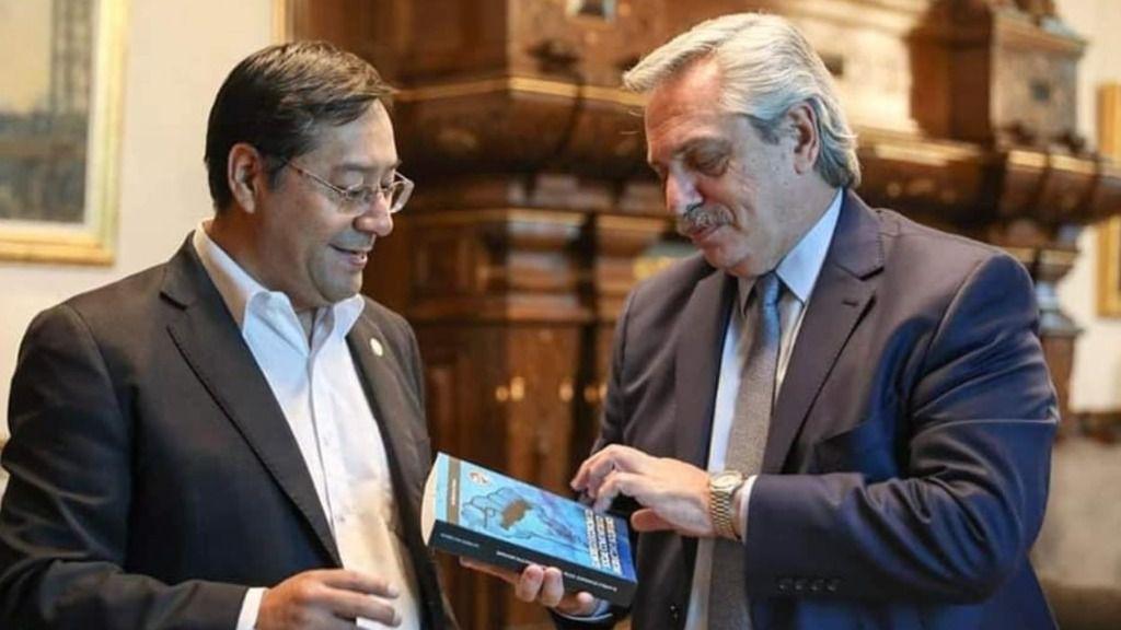 El candidato del MAS al Gobierno de Bolivia, Luis Arce, y el presidente de Argentina, Alberto Fernández
