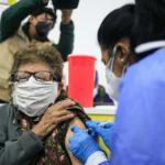 """Ecuador avanza restricciones para frenar la pandemia de coronavirus pero descarta un confinamiento """"total"""""""