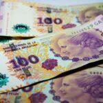 El peso argentino, una moneda con 30 años de tropiezos