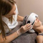El exclusivo tratamiento con las gafas de presoterapia ocular Iridium se encuentra en el centro Sapphira Privé Logroño