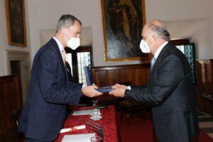 El Rey Felipe VI entrega el Premio de Historia Órdenes Españolas al mexicano Enrique Krauze - CASA DE S. M. EL REY