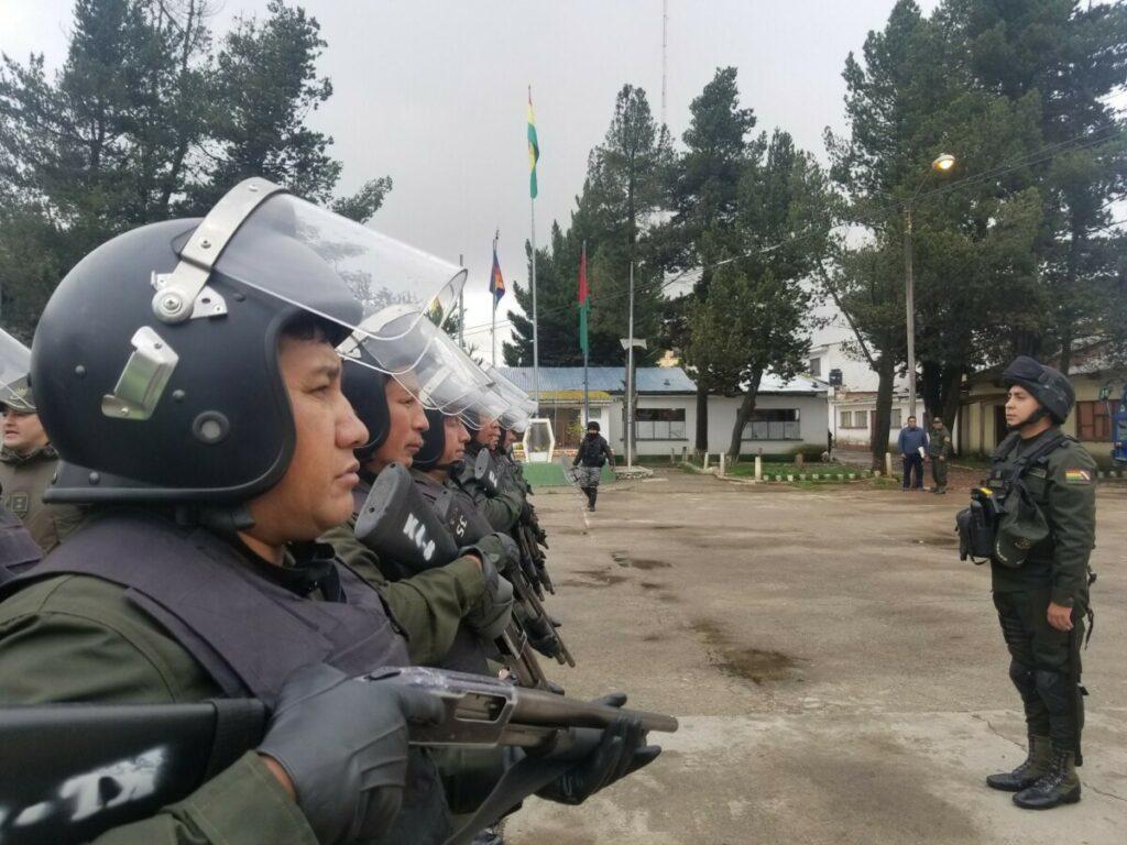 Policías antidisturbios en Bolivia - POLICÍA DE BOLIVIA
