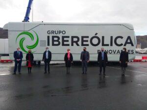 Acto que ha tenido lugar hoy de la salida del puerto de Bilbao de nacelles de aerogeneradores del primer parque eólico de Repsol e Ibereólica en Chile. - EUROPA PRESS