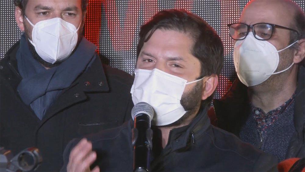 El candidato presidencial del pacto izquierdista Apruebo Dignidad, Gabriel Boric