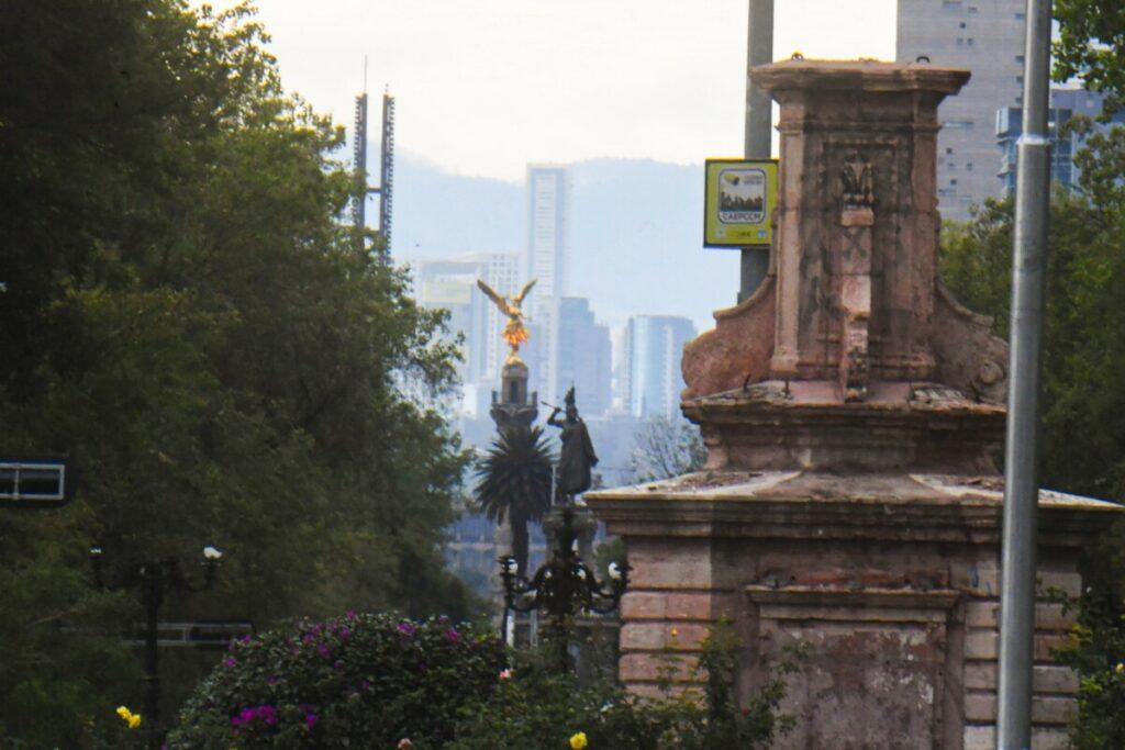 Pedestal de la estatua de Cristóbal Colón retirada de una céntrica calle de Ciudad de México - EL UNIVERSAL / ZUMA PRESS / CONTACTOPHOTO